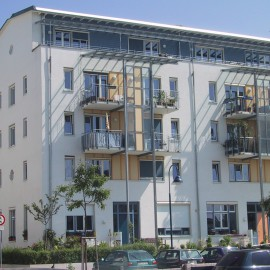 """Modellprojekt """"Stadt & Frau"""" – gemeinschaftsorientiertes Wohnprojekt mit 40 Wohnungen in Freiburg – Rieselfeld"""
